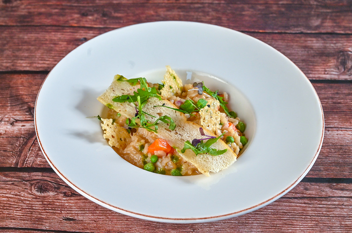 caramelized onion risotto with mix light vegetables